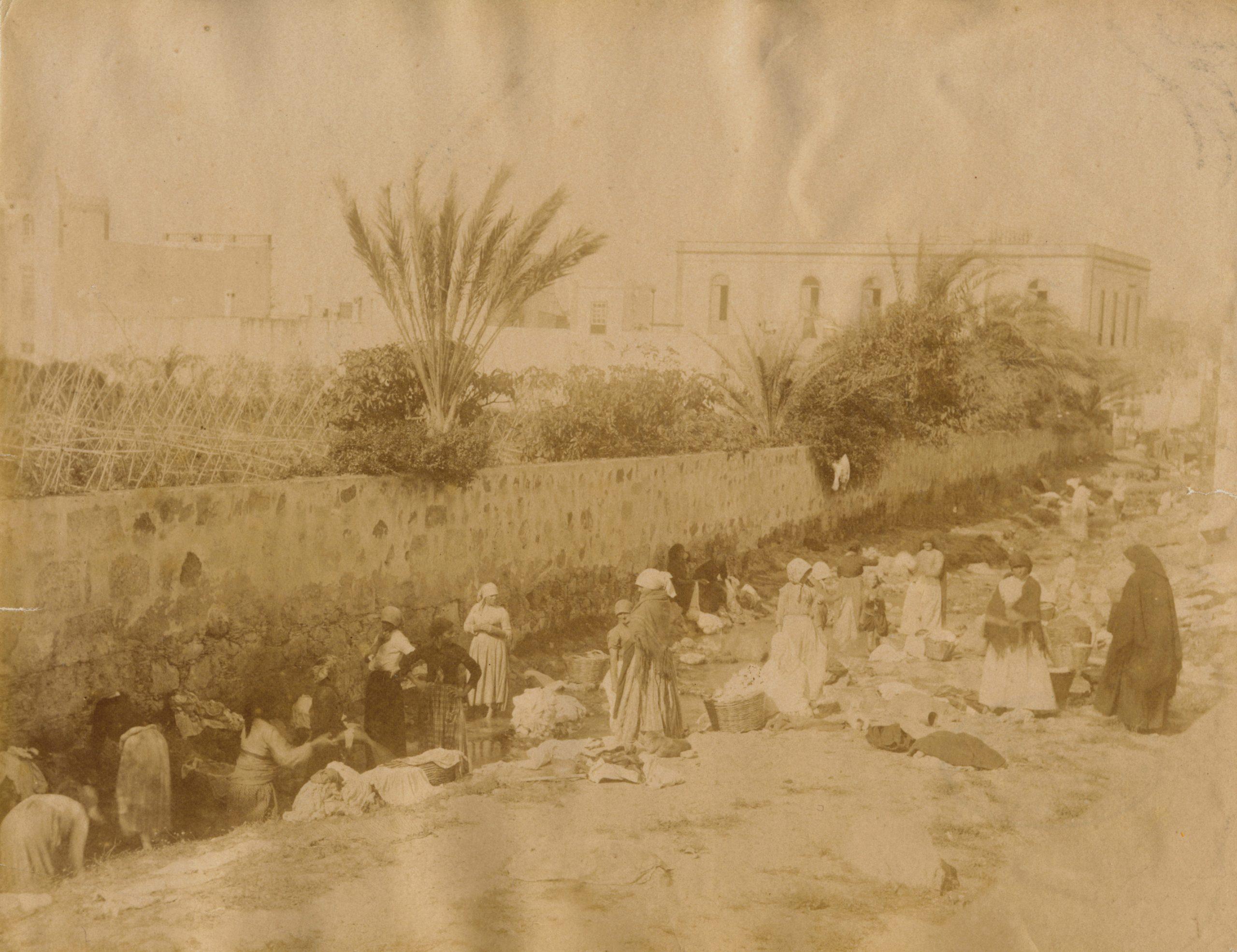 mujeres lavando ropa 1883-1884