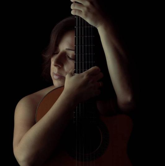 Beatriz Martin cantautora